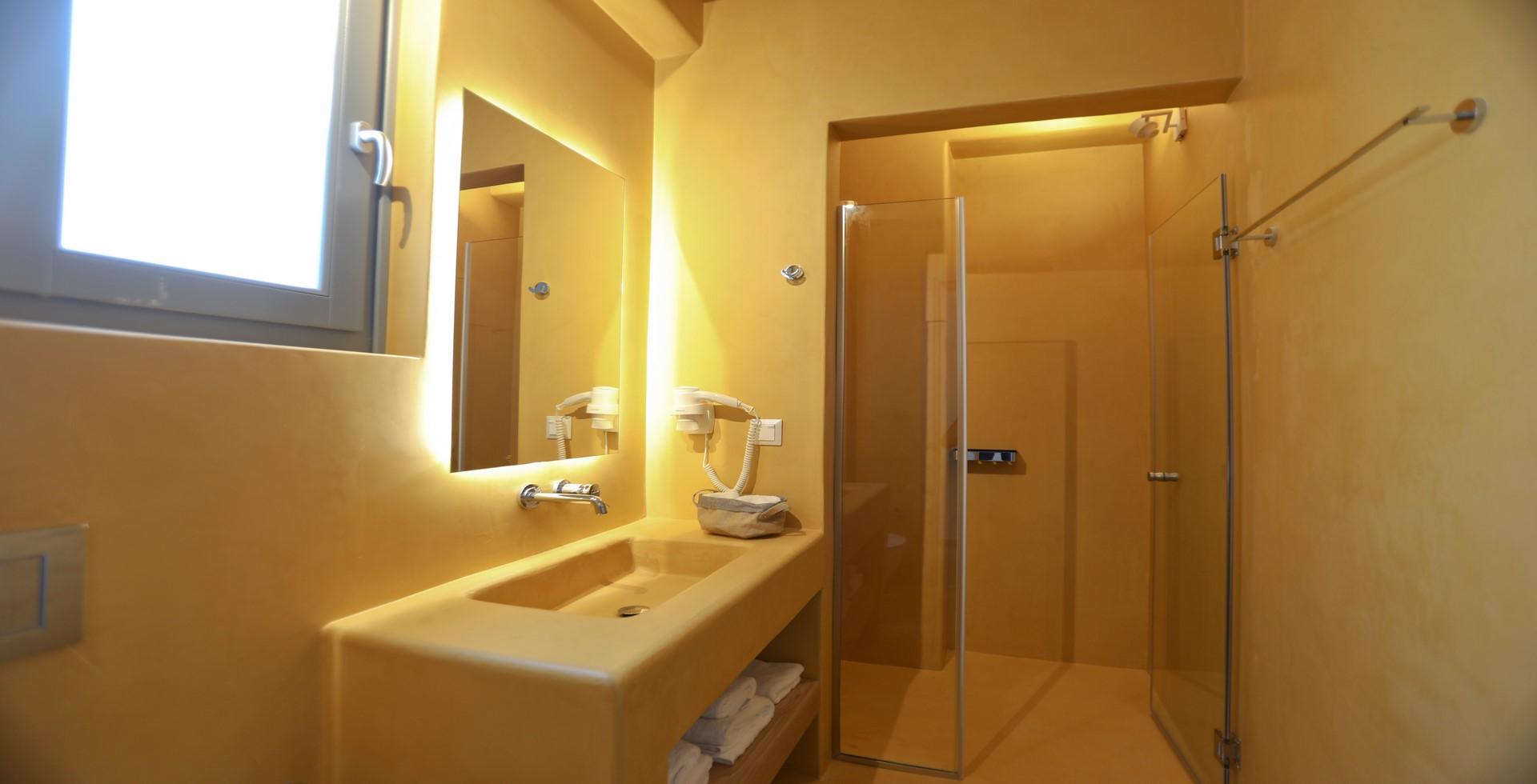 villa ilios kalafatis shower