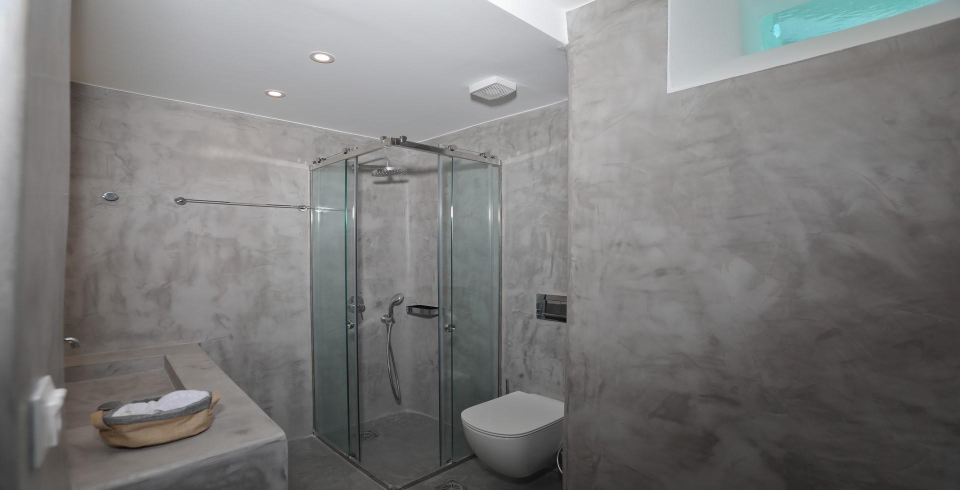 shower villa ilios kalafatis