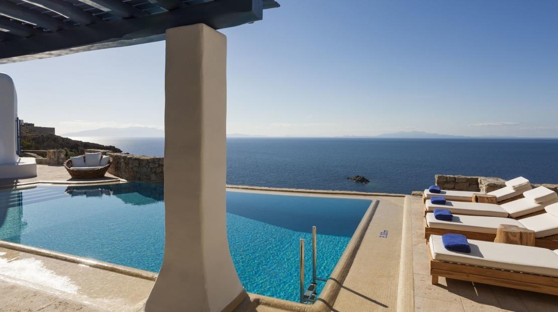 mykonos luxury villa rentals