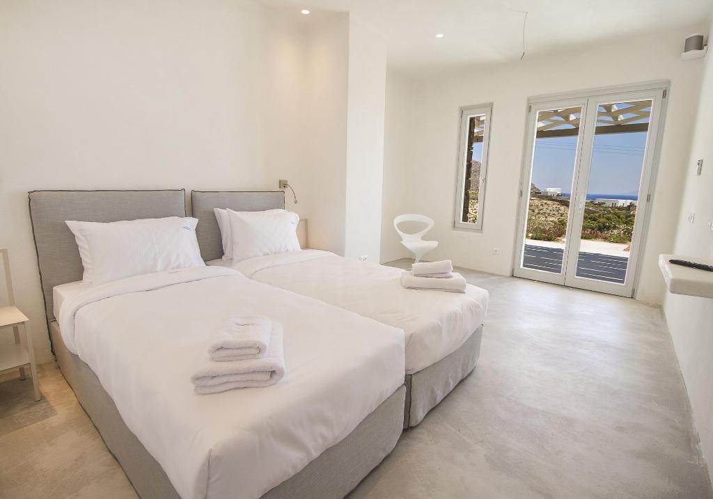 mykonos luxury beach villas