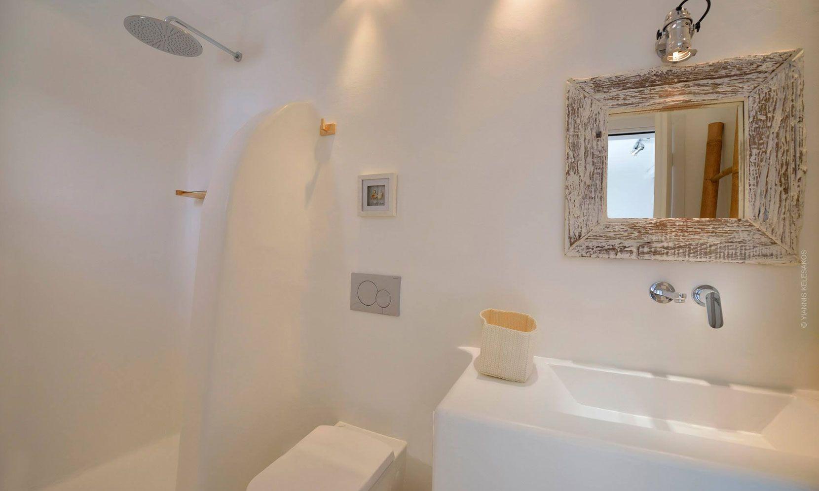 villa lucio mykonos bathroom