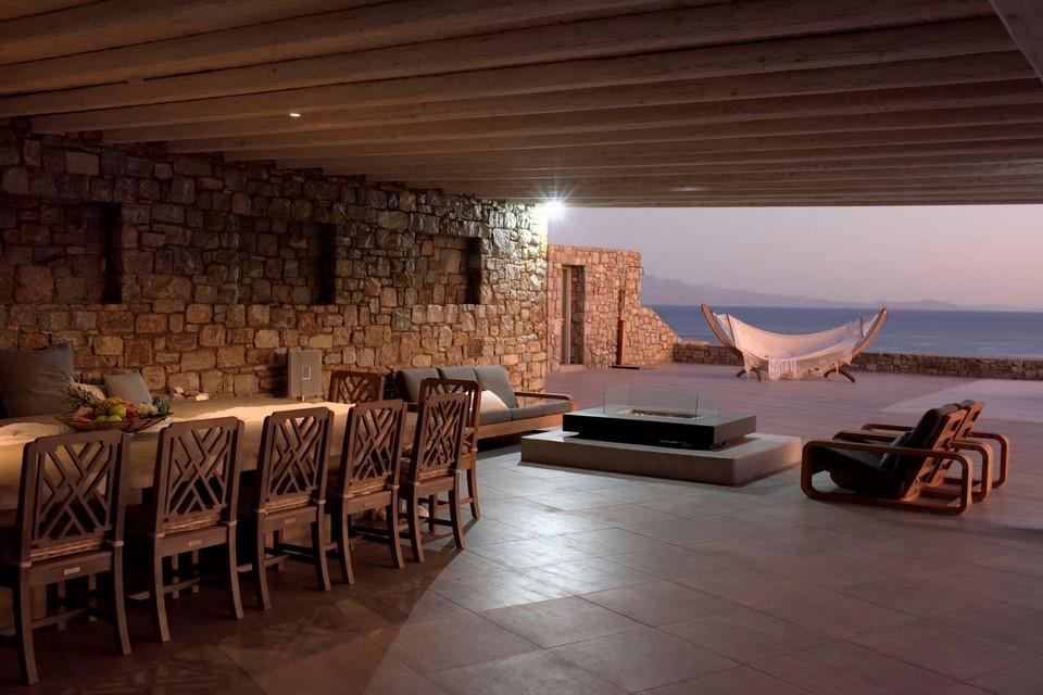 villa terrace smaragdi blue