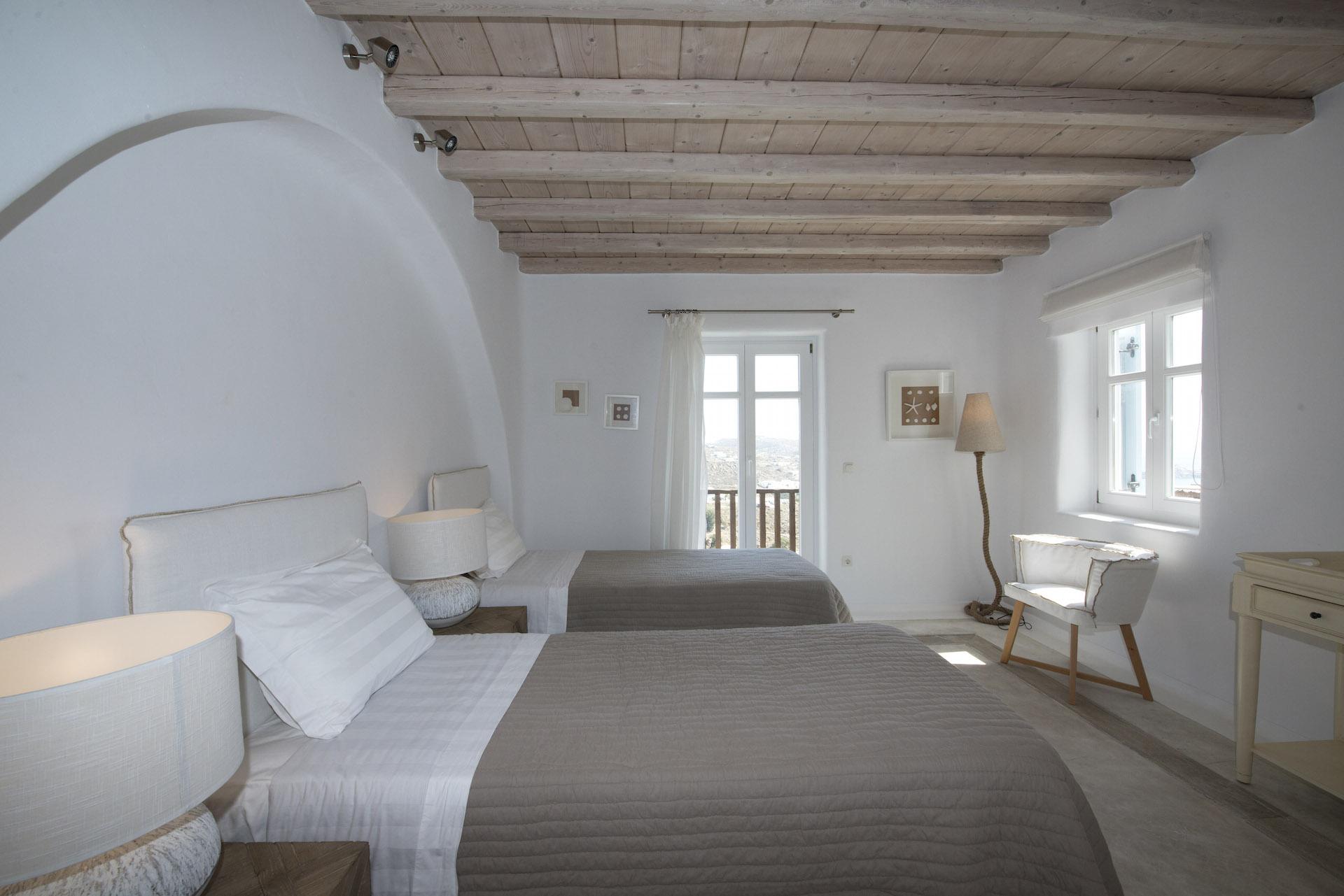 villa vivo agios lazaros bedroom