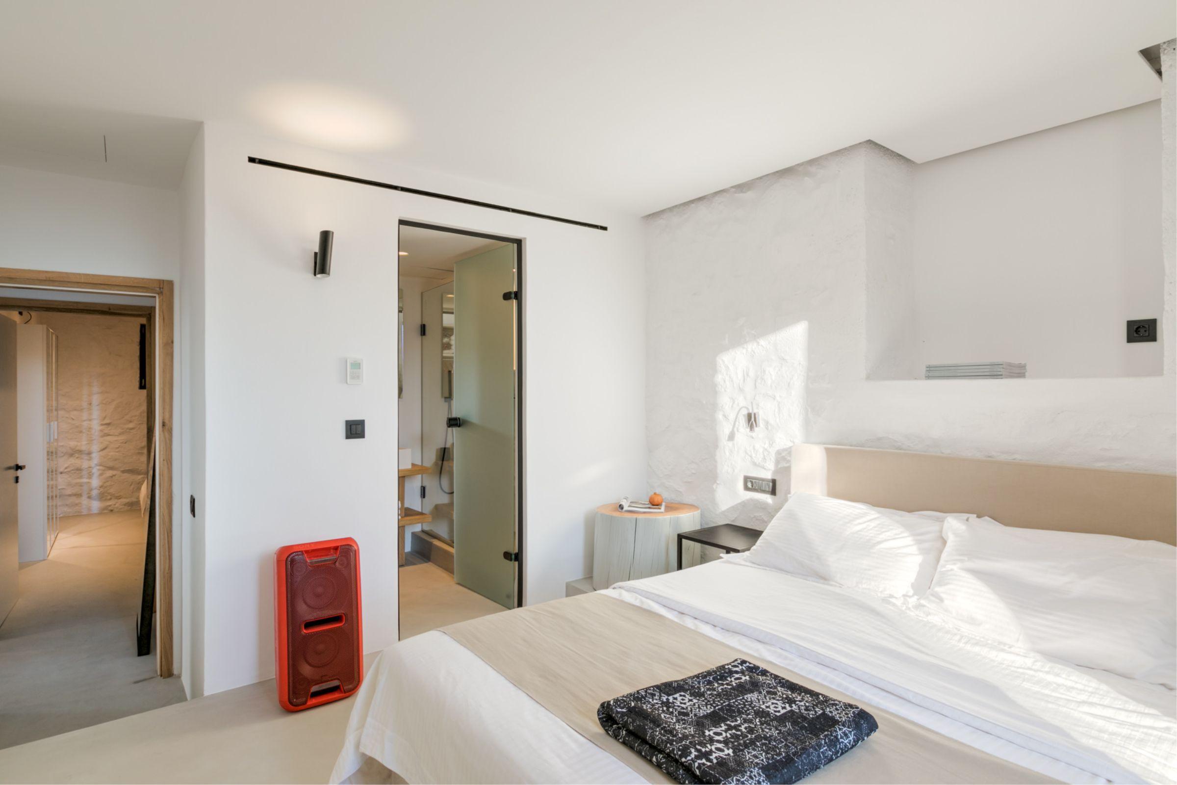 chora villa mykonos rooms