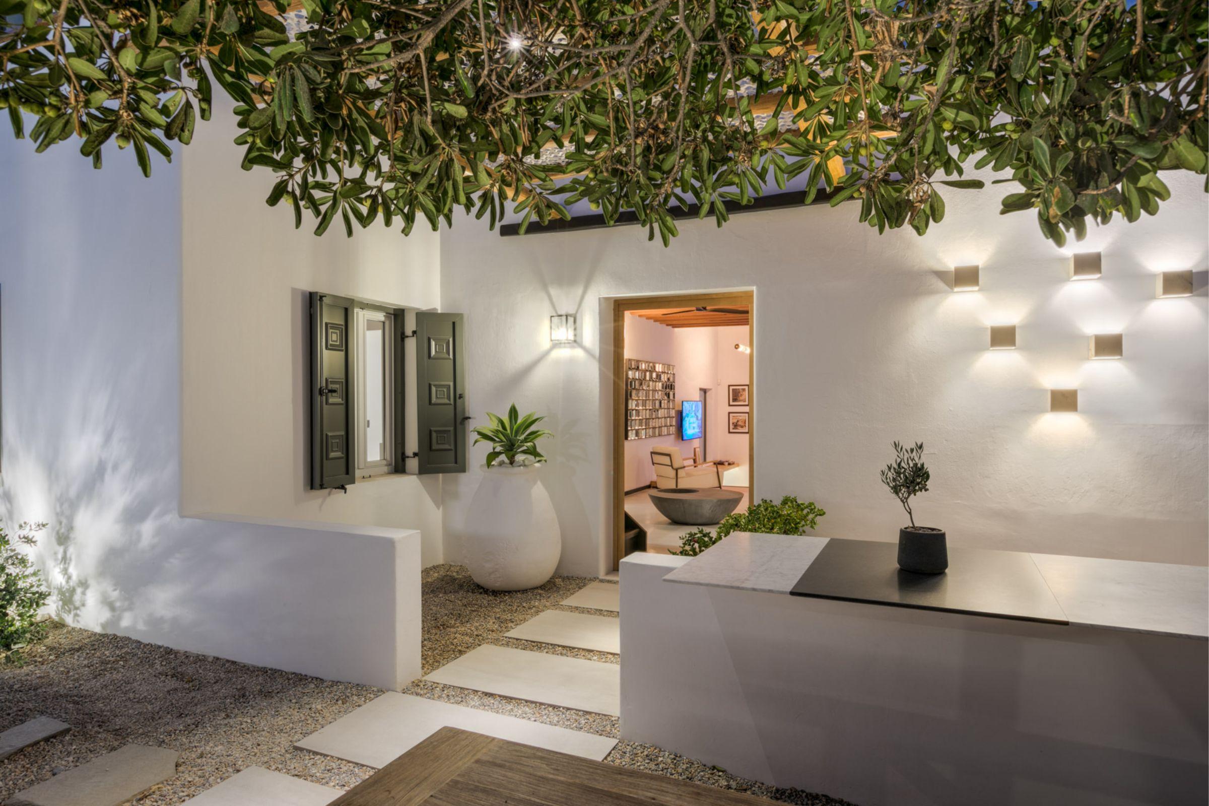 chora villa mykonos porch