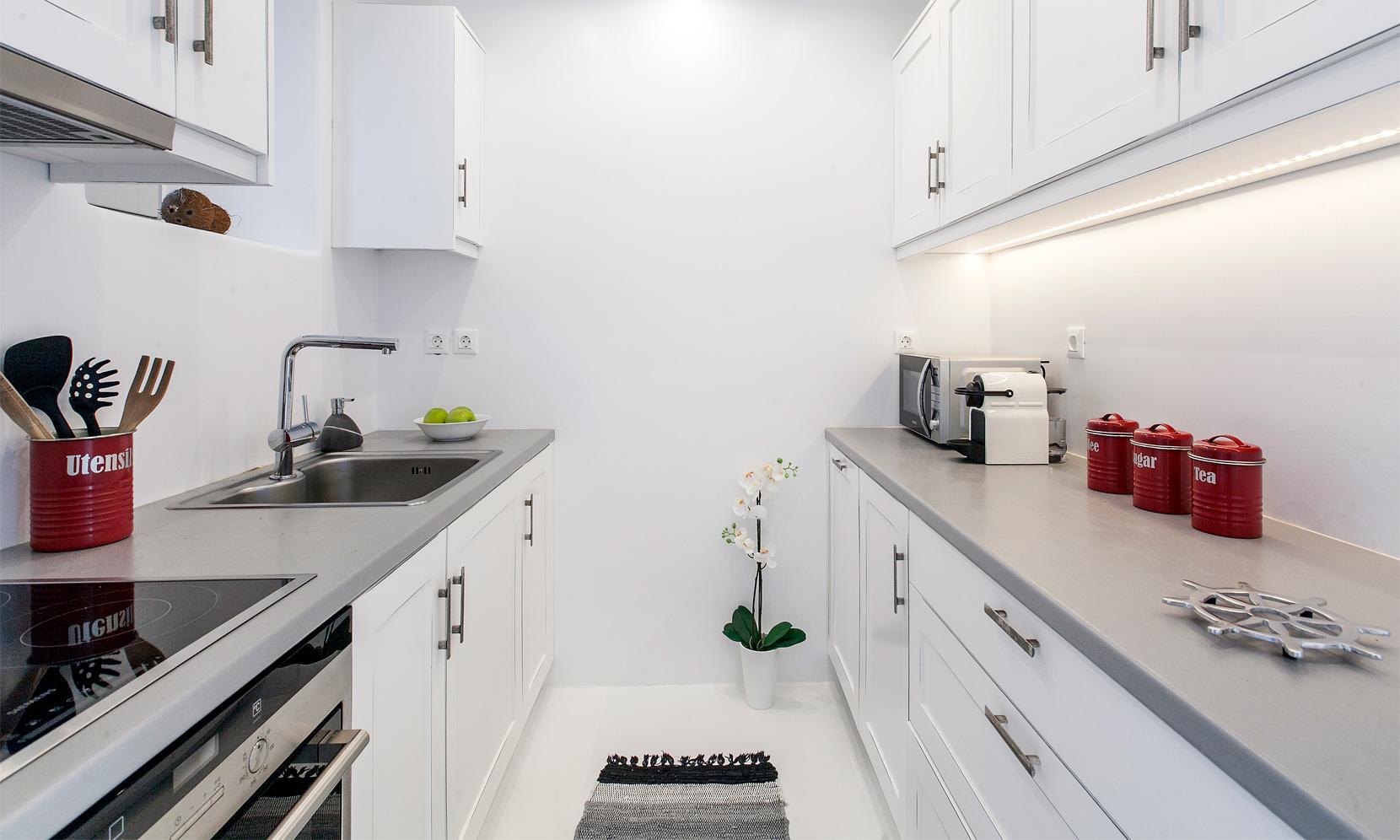 villa gialos mykonos kitchen
