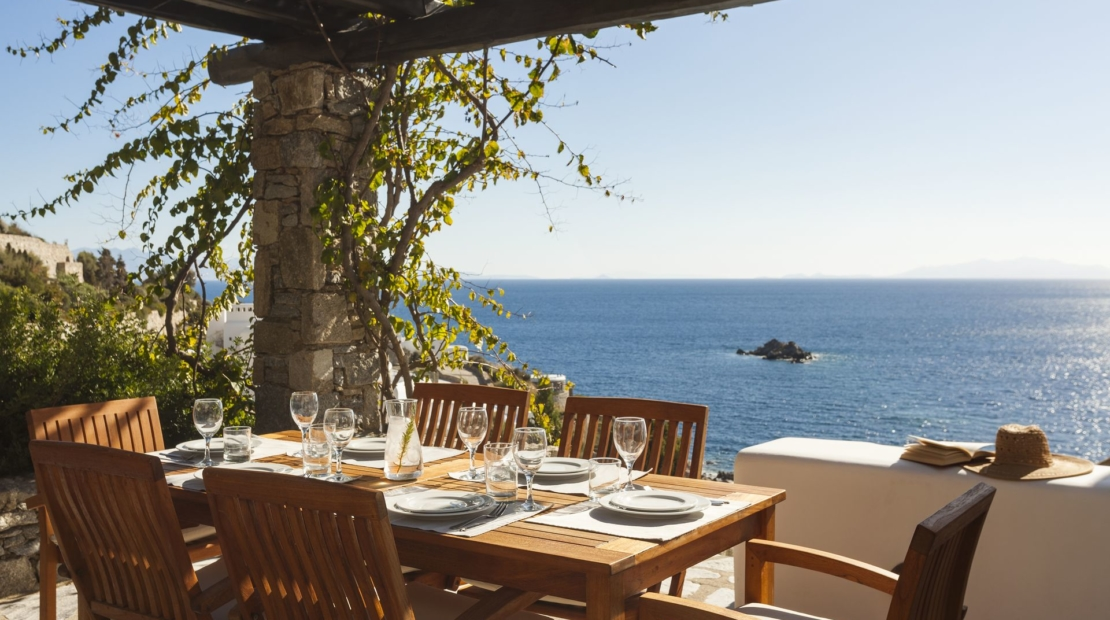 dining pia villa agios lazaros