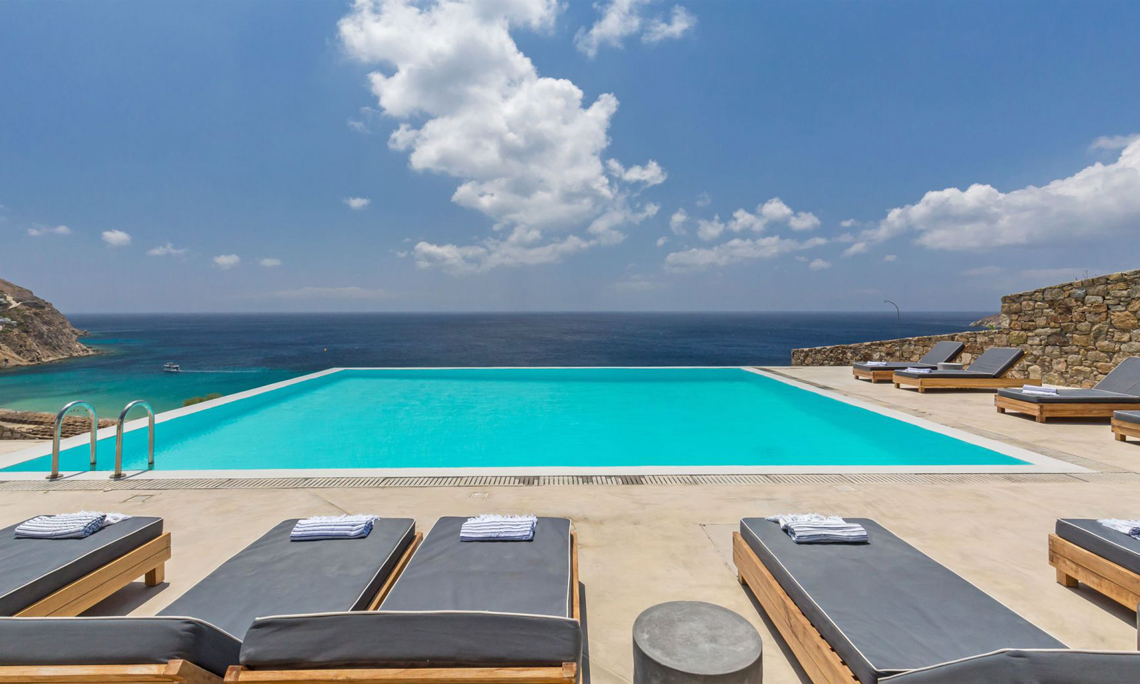 pool villa elia sea breeze