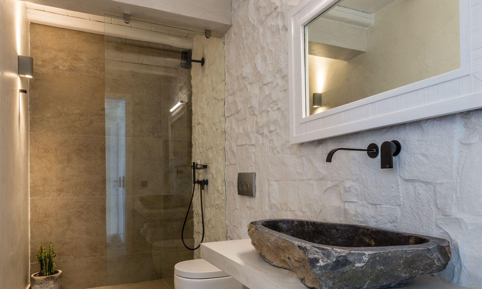 villa calico agios ioannis shower