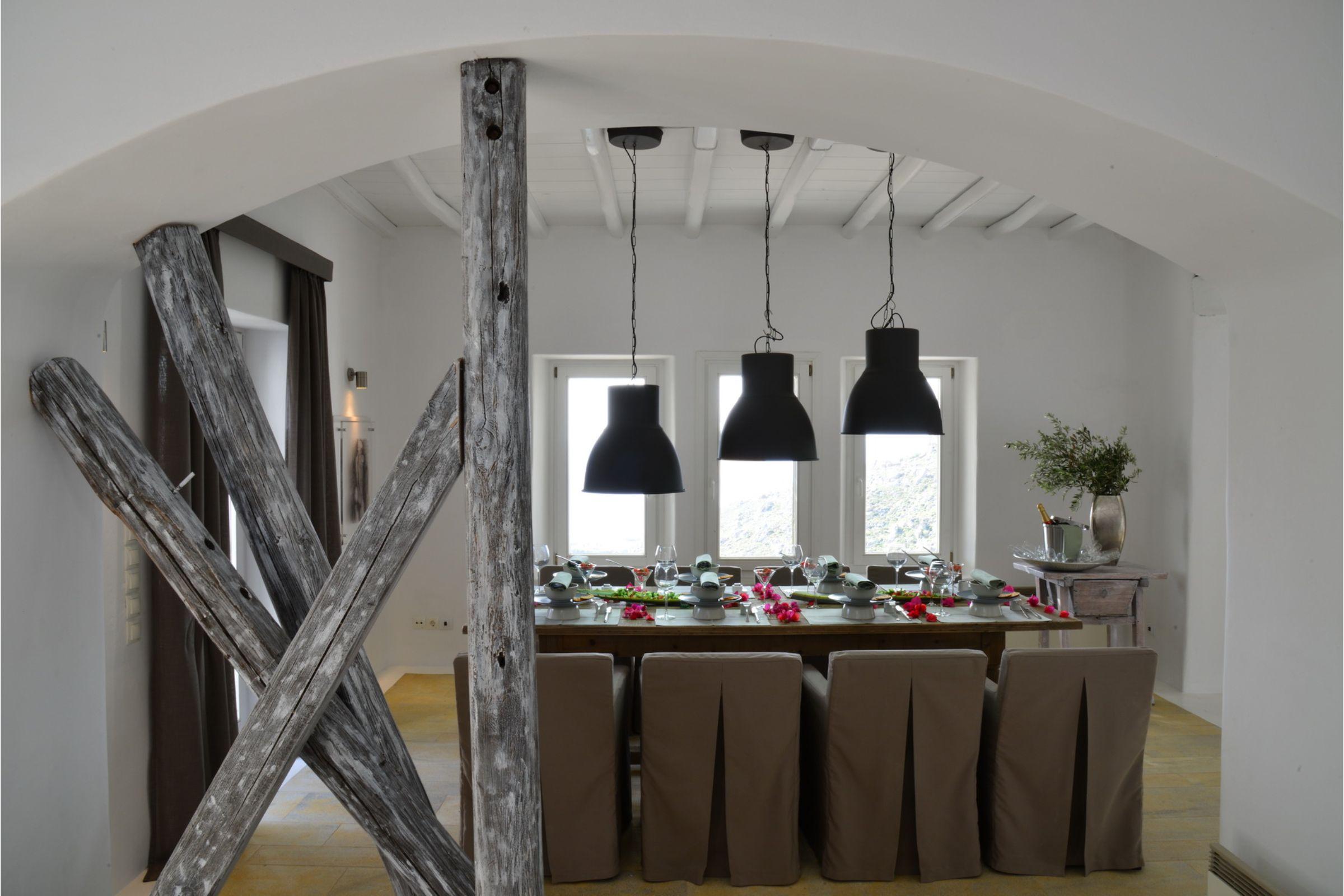 villa agrari rocks dining