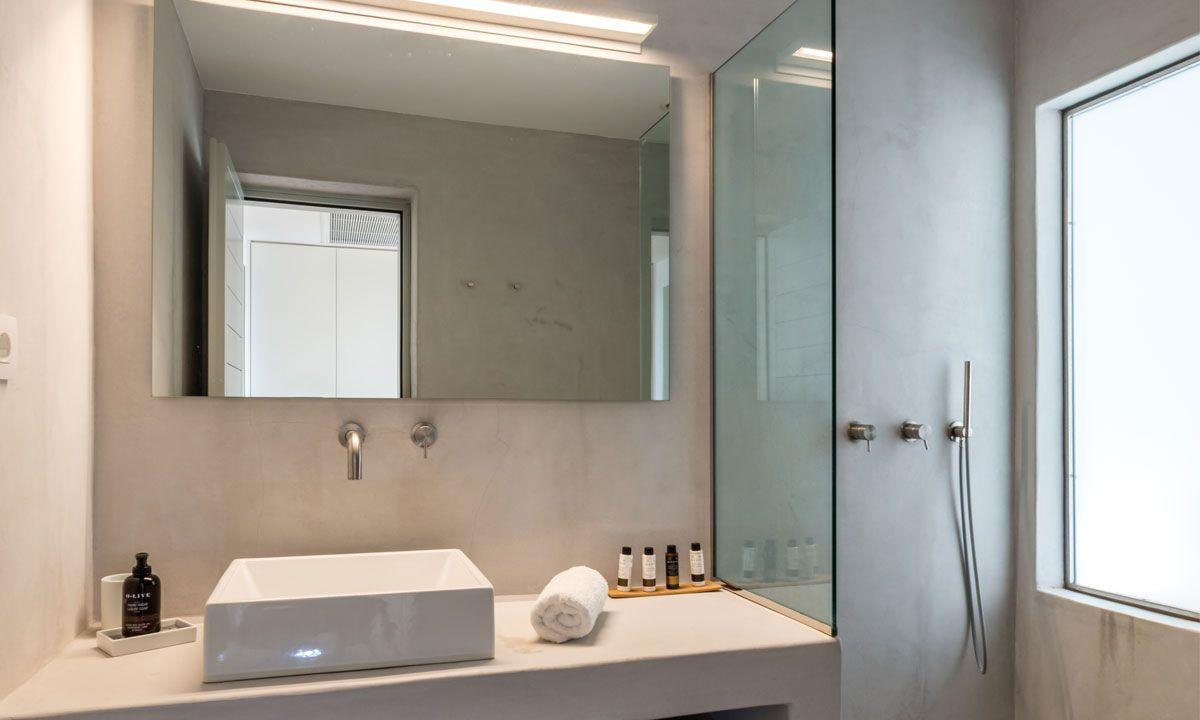 villa ambiente ftelia shower