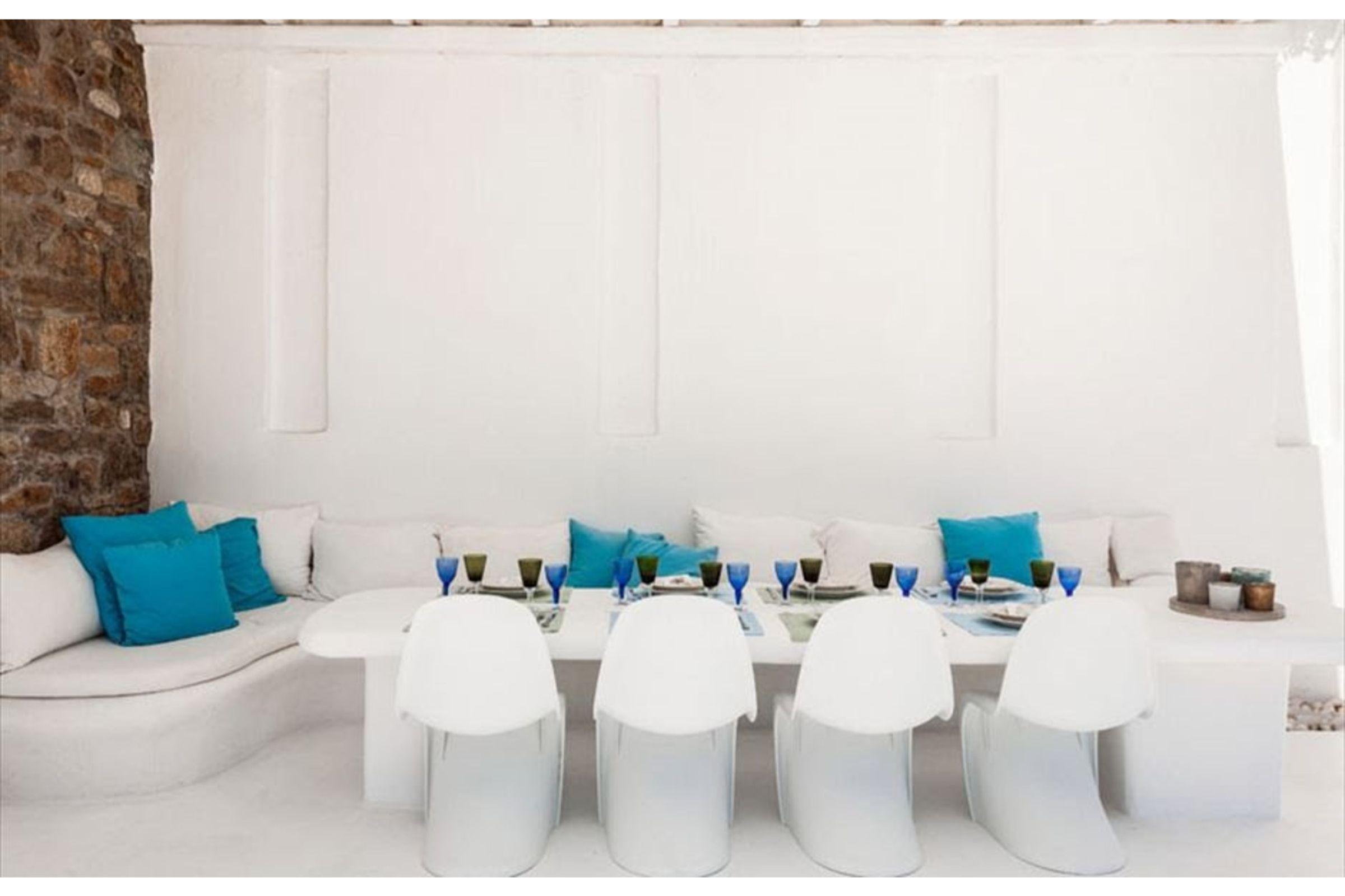 villa anafi agios lazaros seating