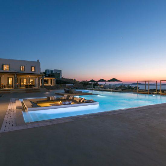 villa aspinal aleomandra pool