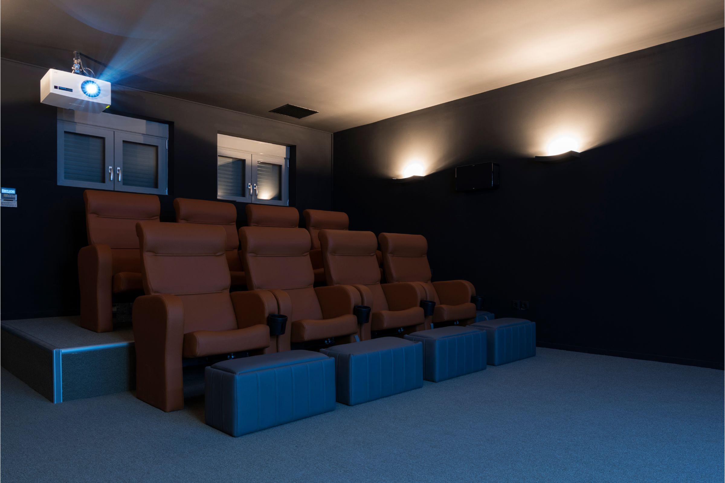 villa kastro l kanalia cinema