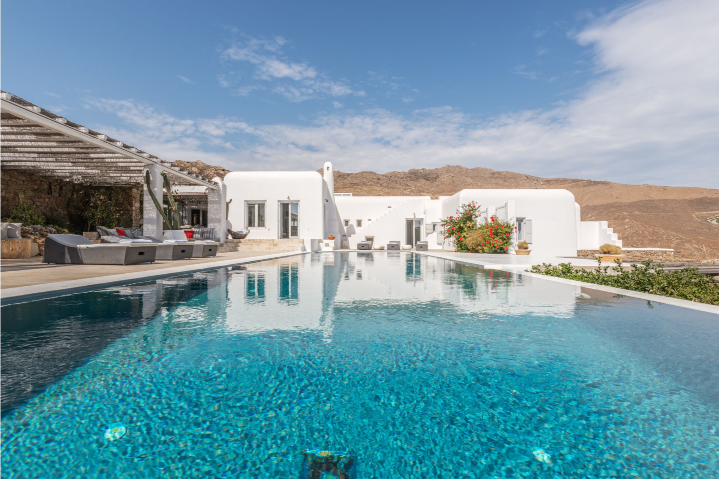 luxury mykonos villas greece