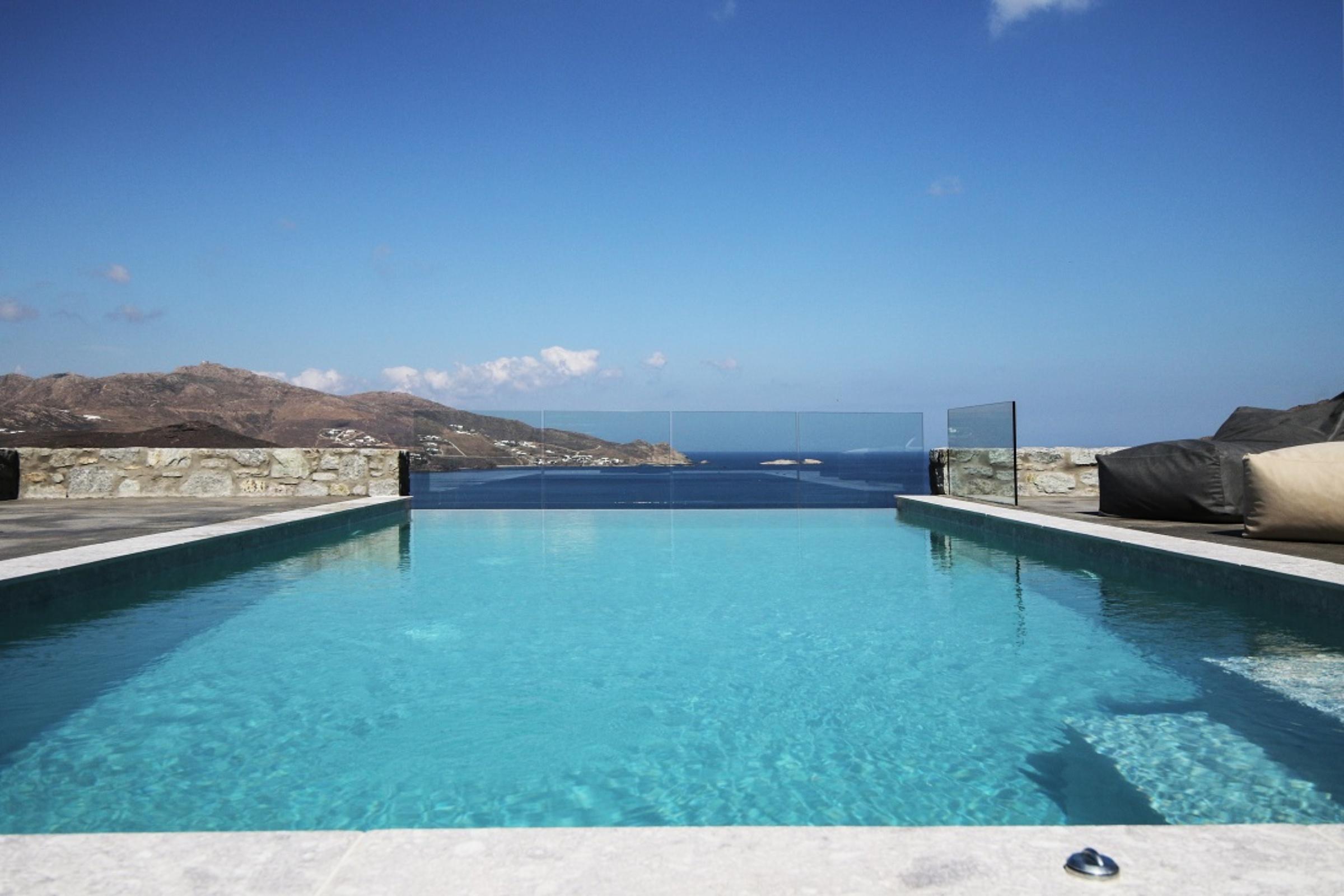 villa gian ftelia pool