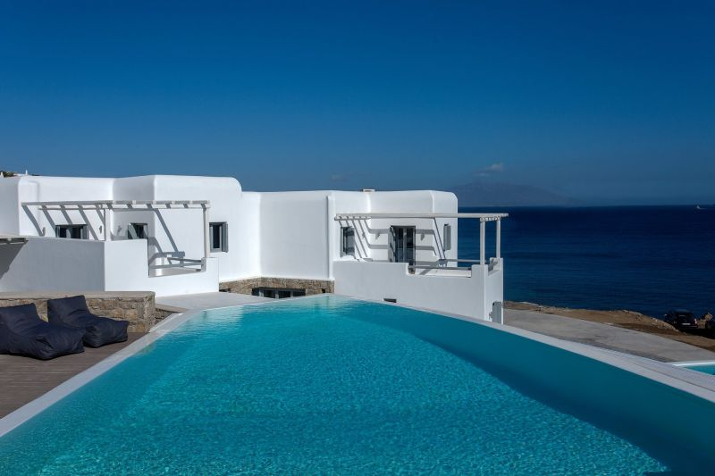 villa julio mykonos pool