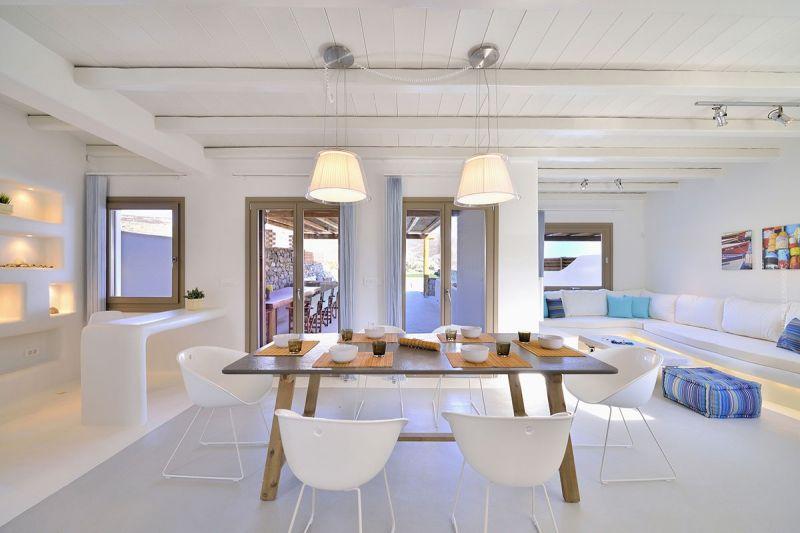 villa kiki elia beach lounge