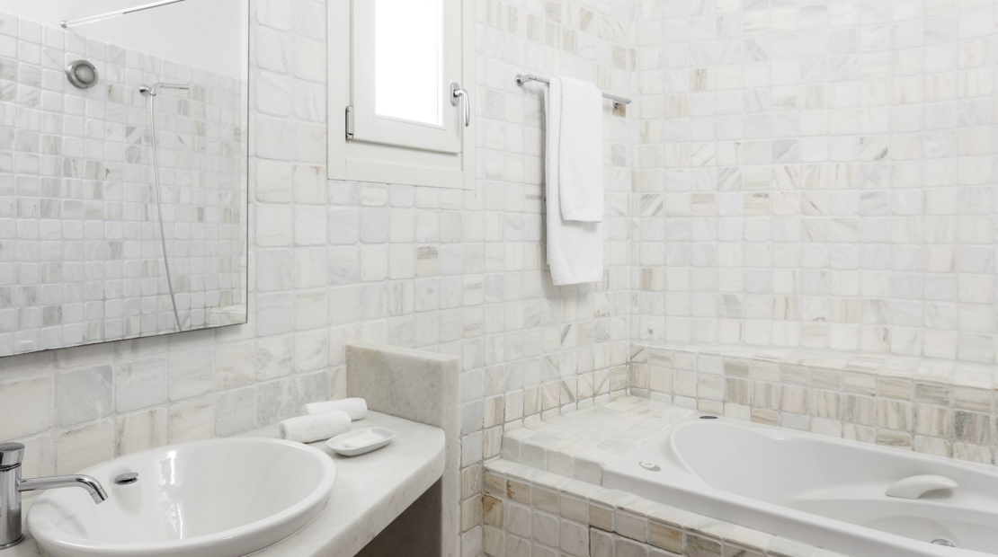 Villa aqua azul Agios Lazaros shower