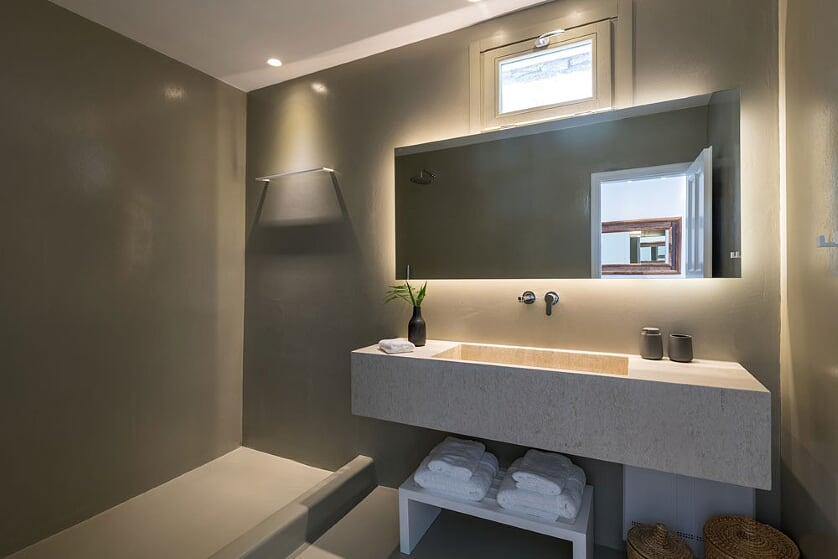 villa orinda agios lazaros bathroom