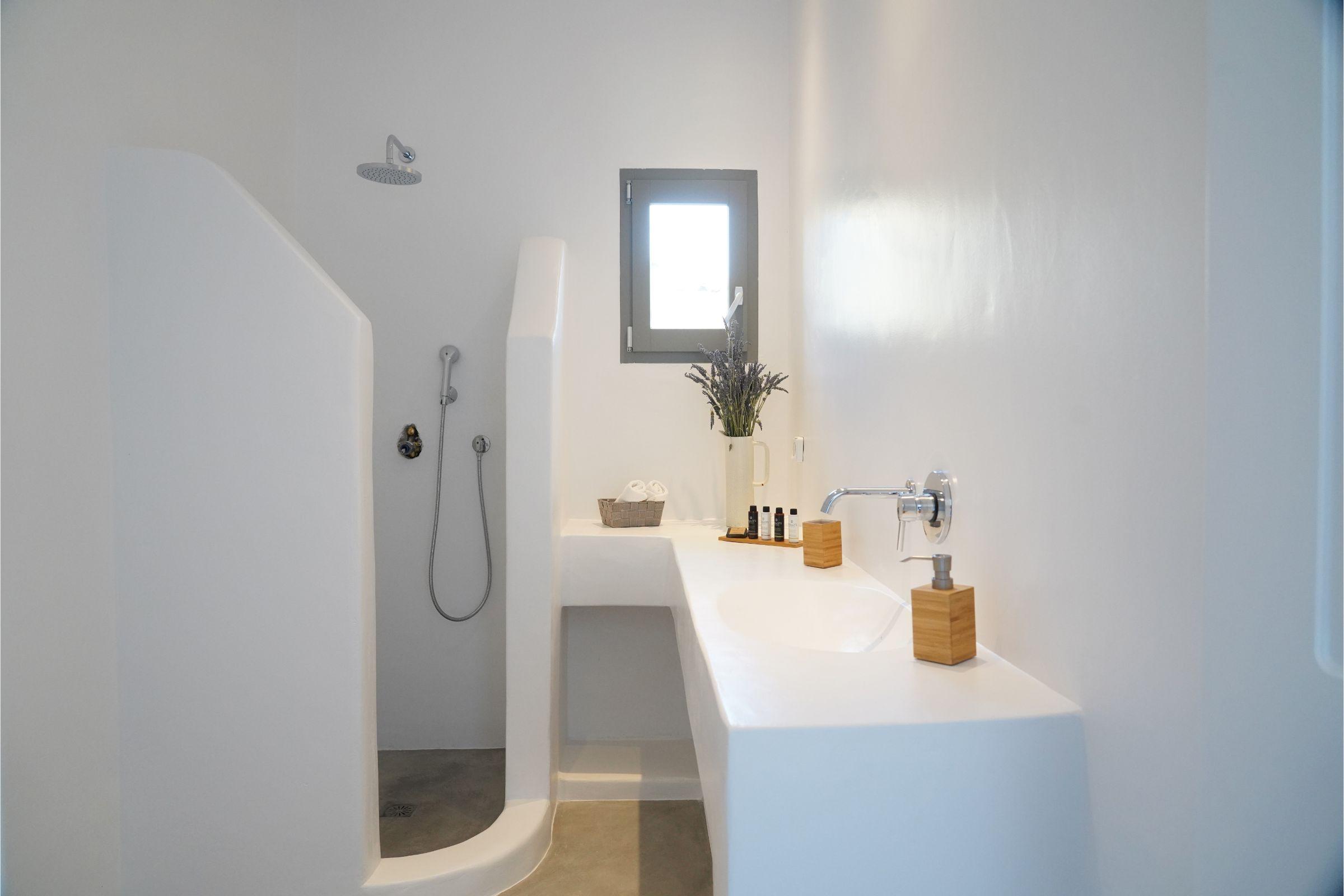 Villa Carina Pyrgi Mykonos shower