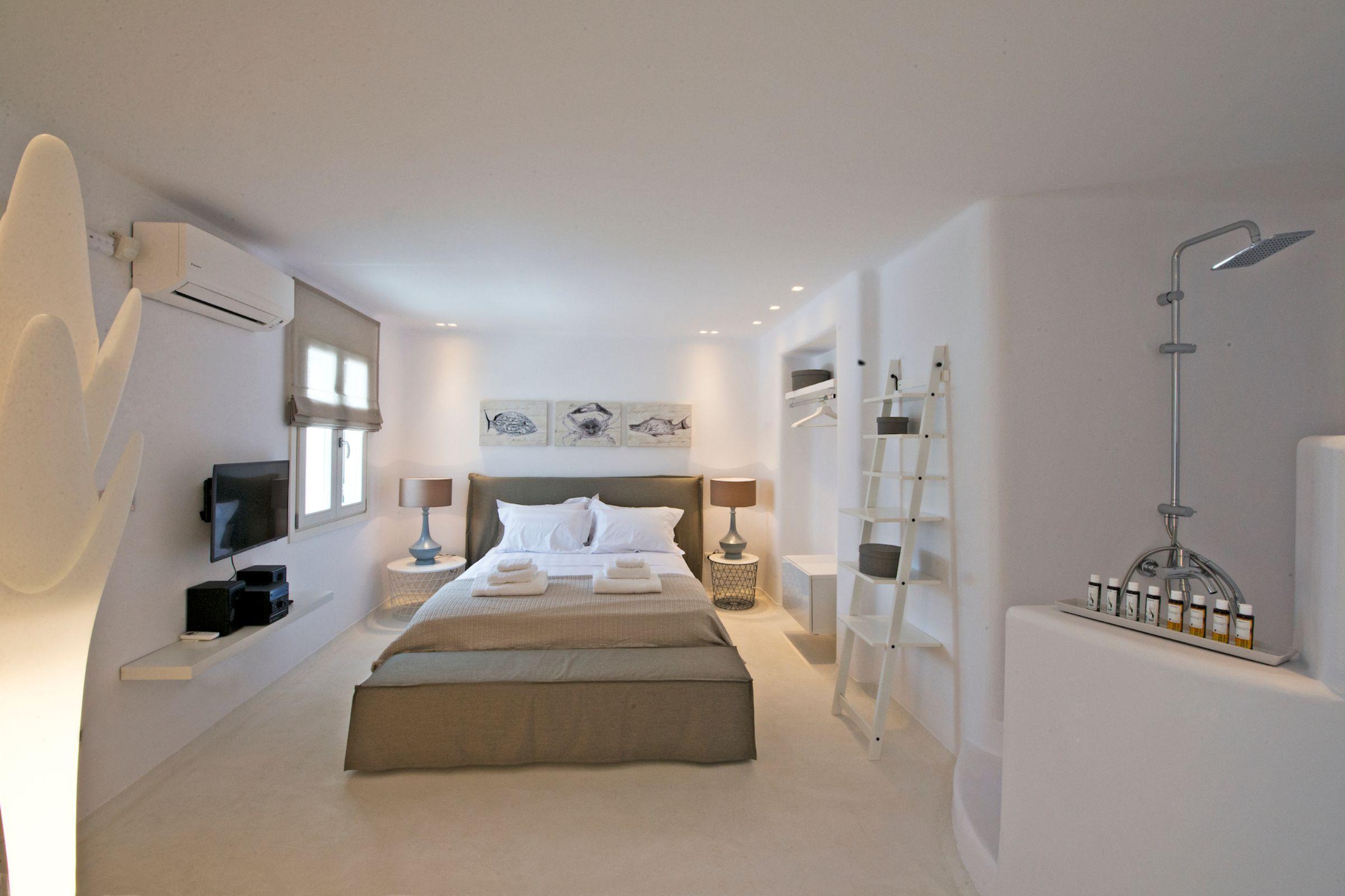 tourlos private estate double
