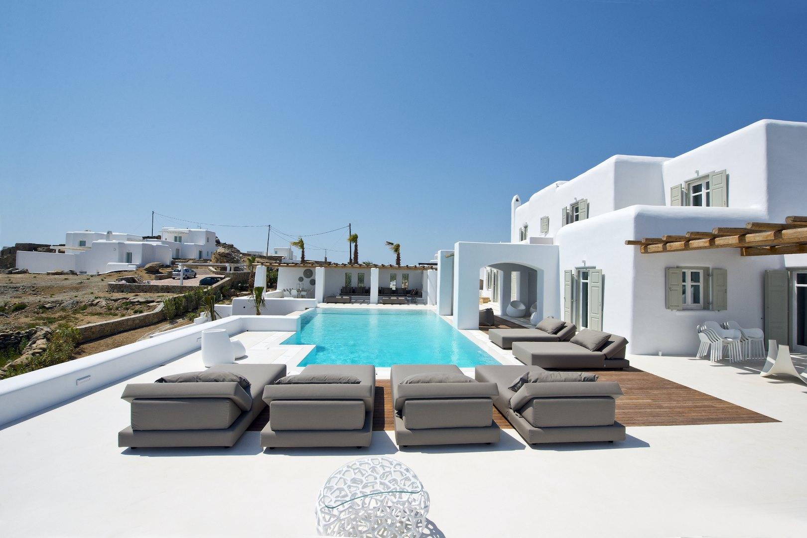tourlos private estate