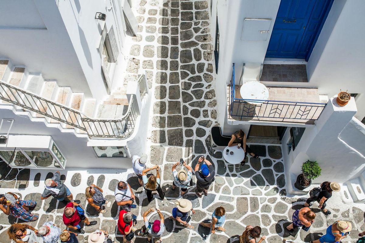 street views jules mykonos town house