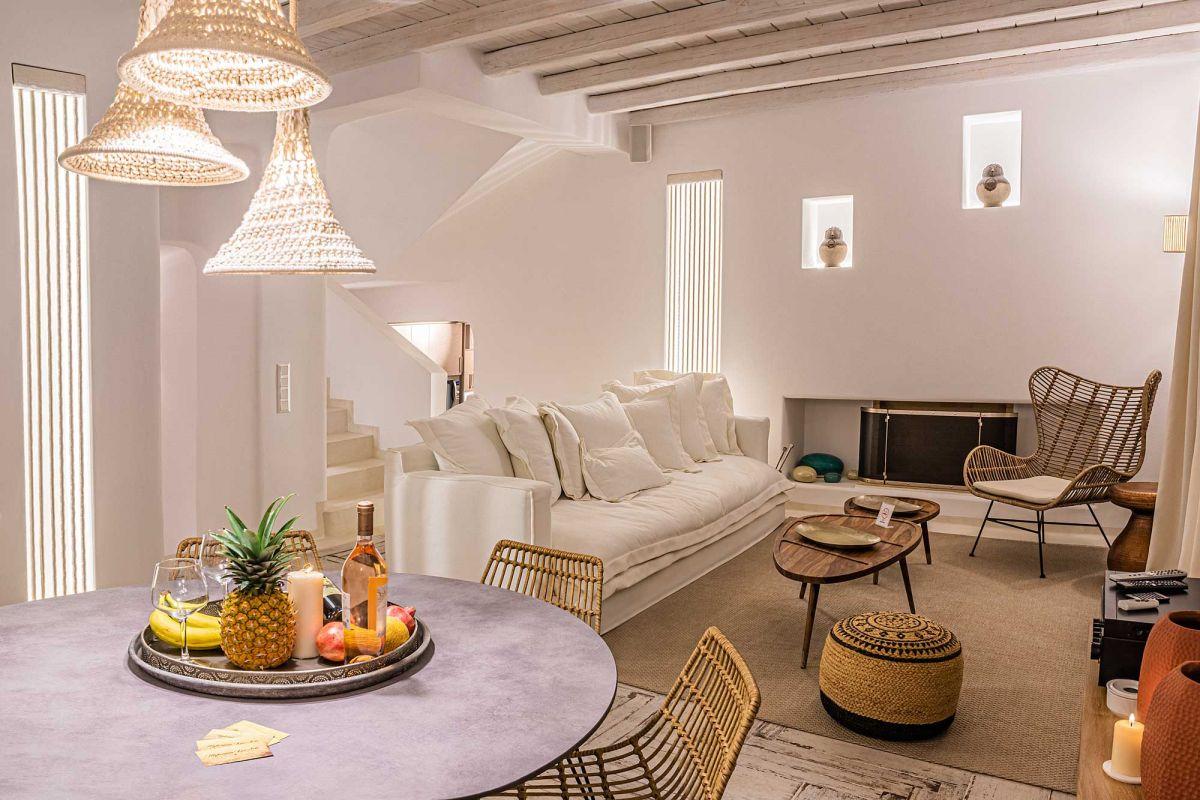 lounge villa kinthos kalafatis