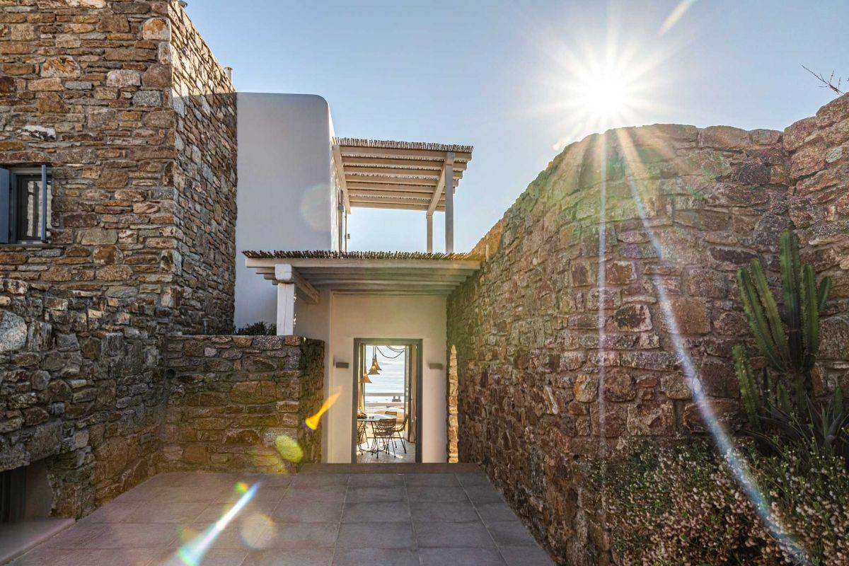 entrance villa kinthos kalafatis