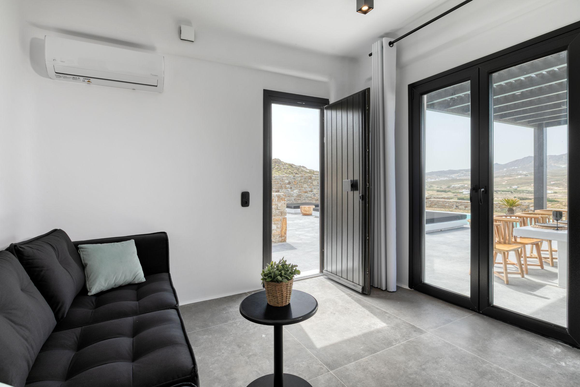 ftelia villas mykonos lounge