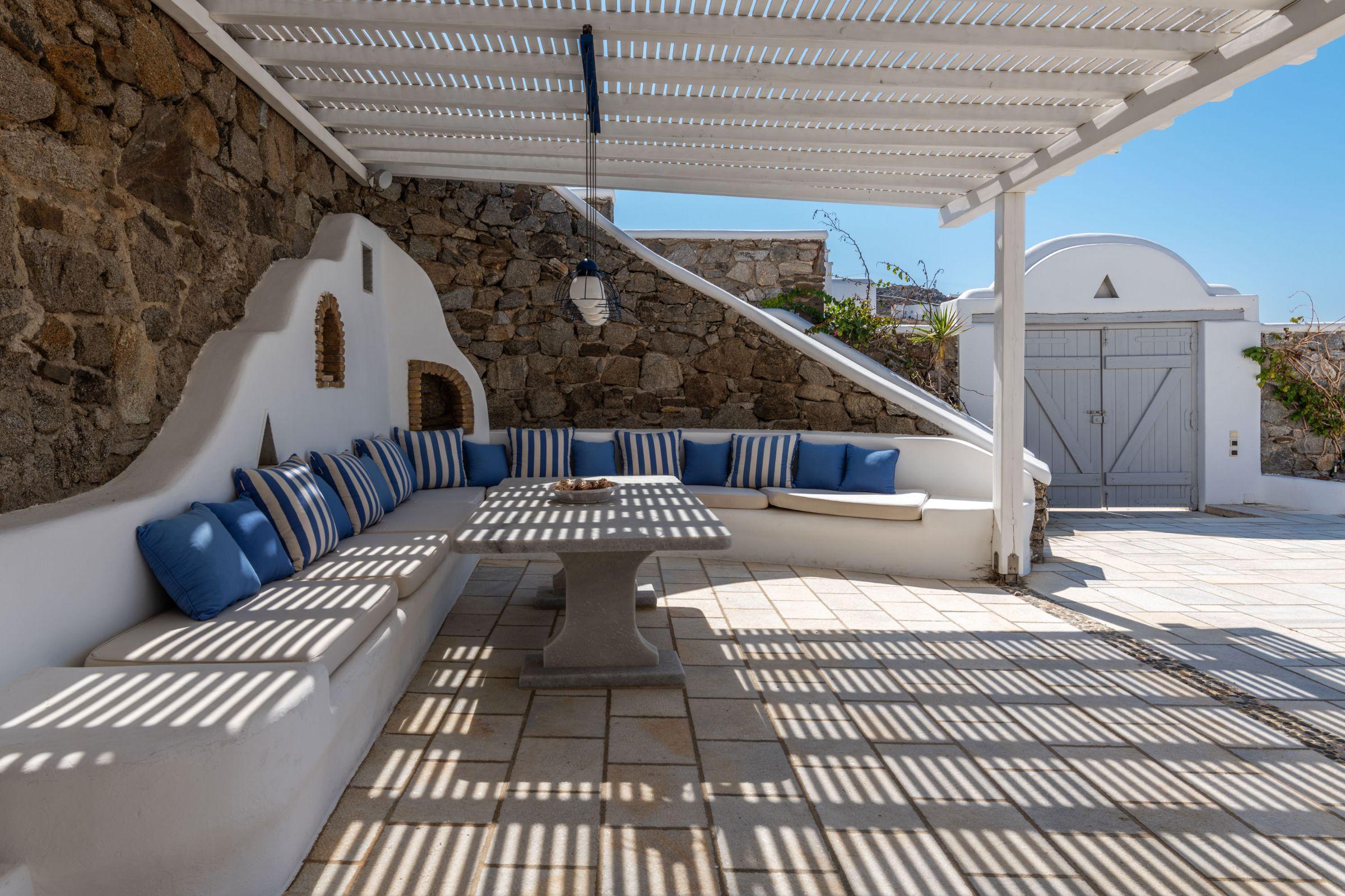 villa grecia aleomandra seating