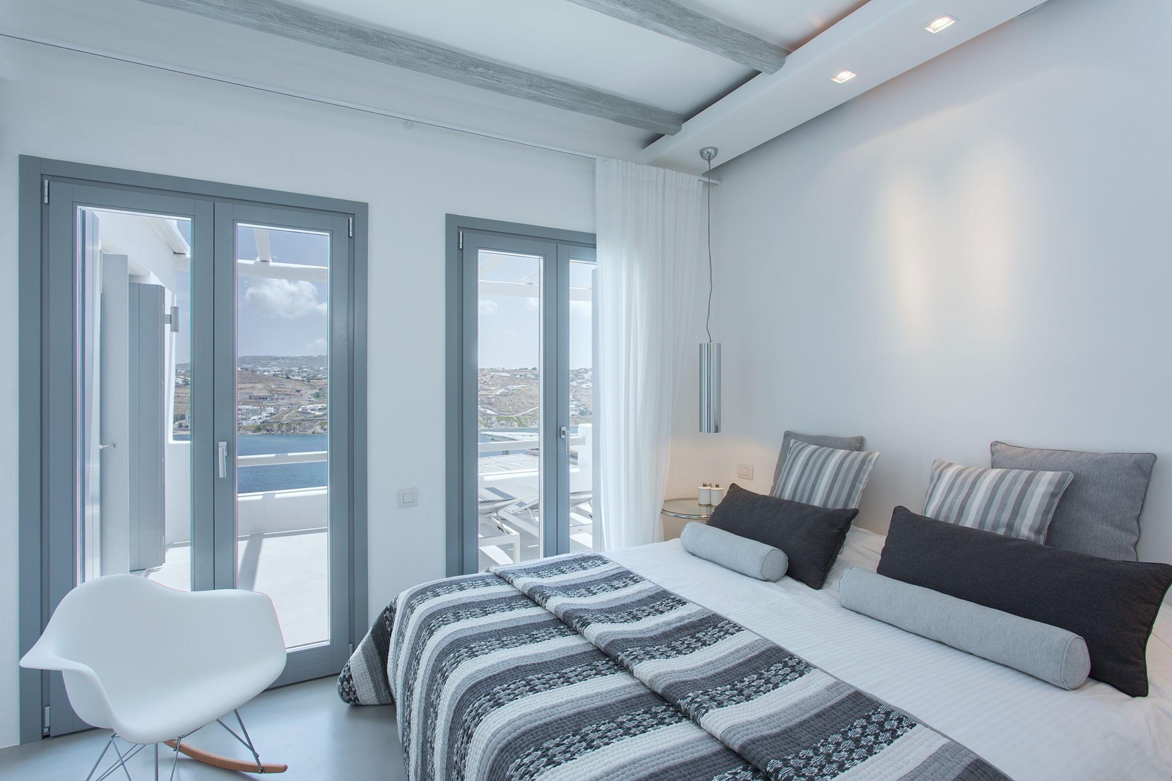 villa vitos kanalis bedroom