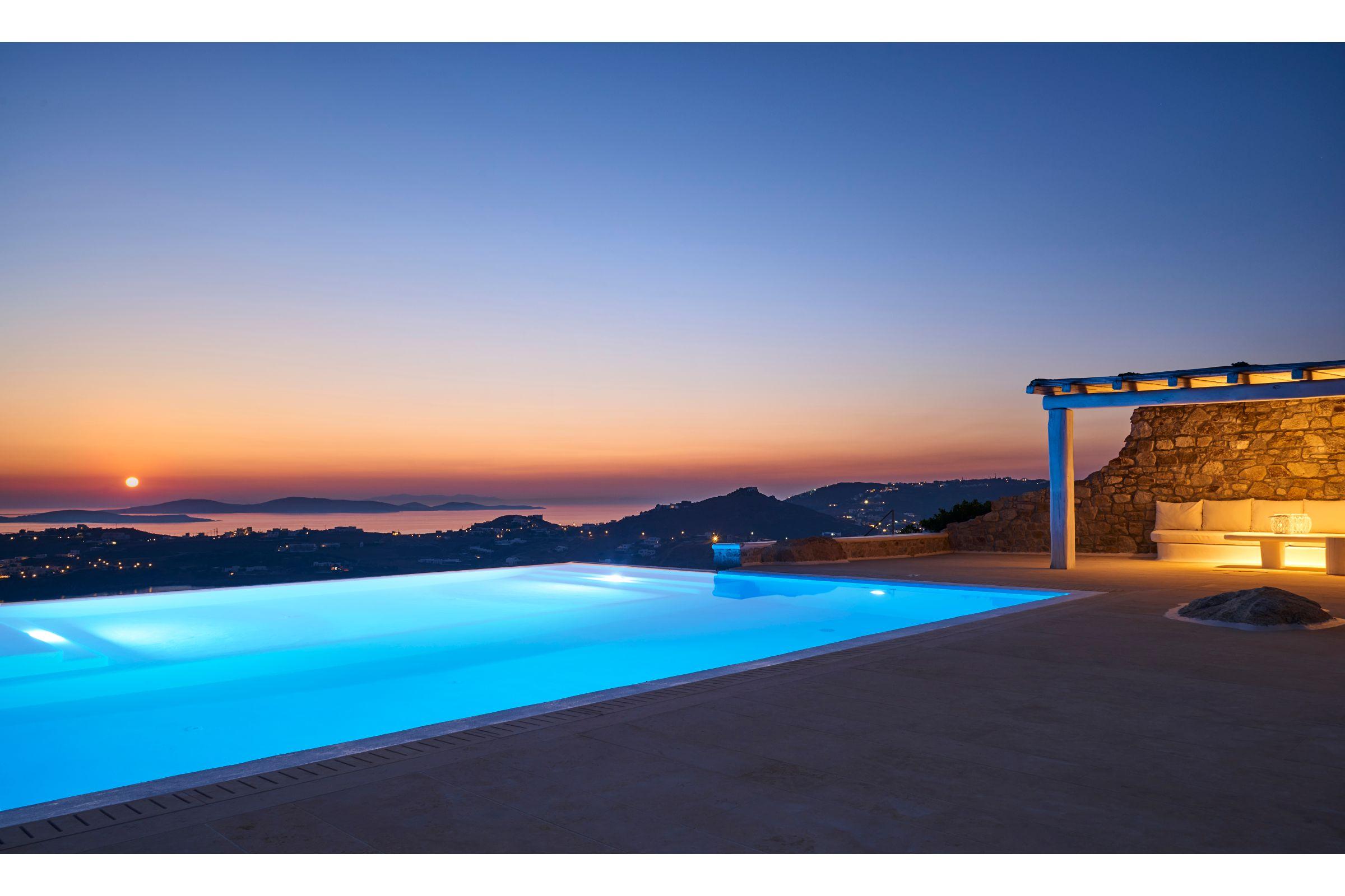 private pools villas mykonos