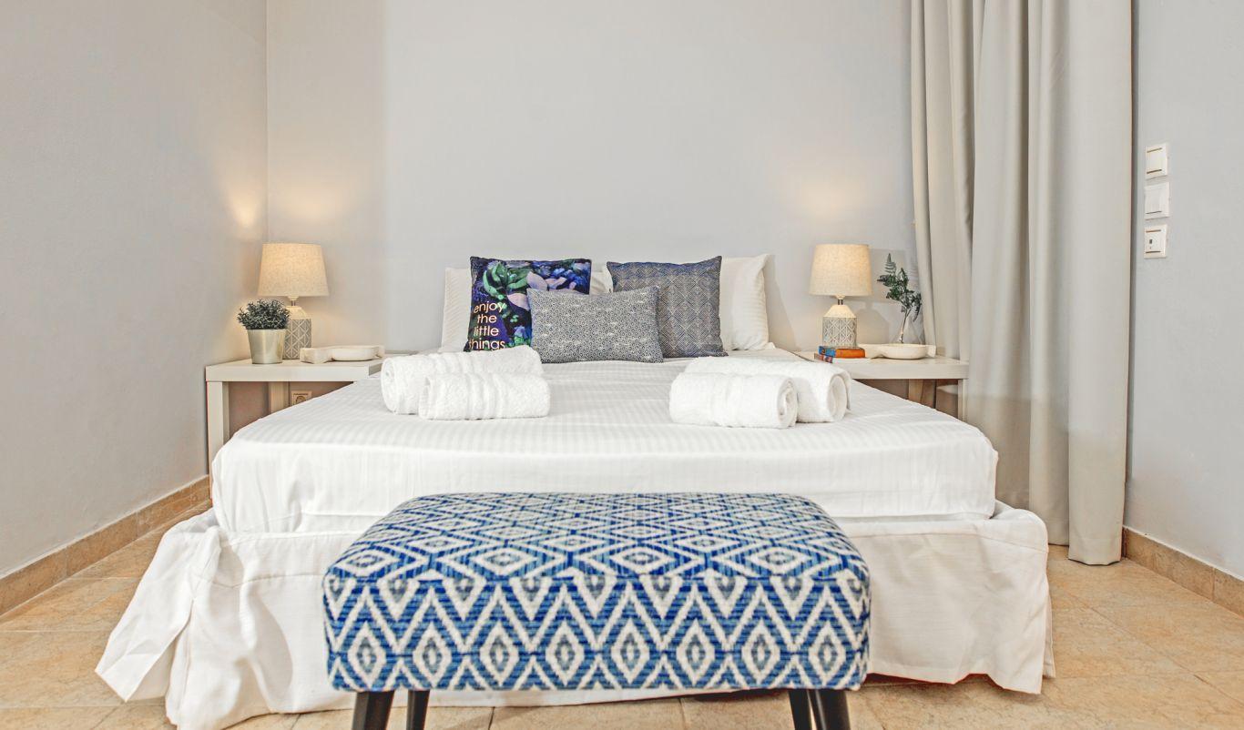 5 bed villas rhodes