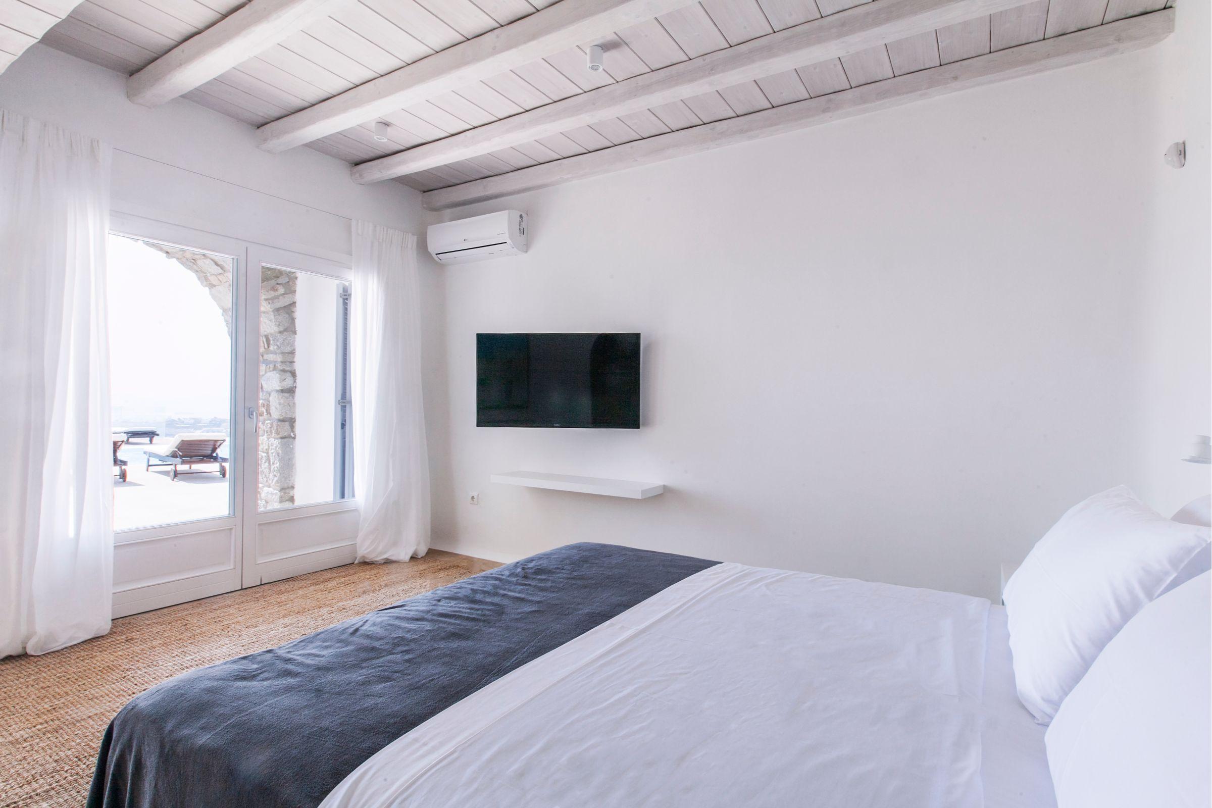 luxury rentals mykonos