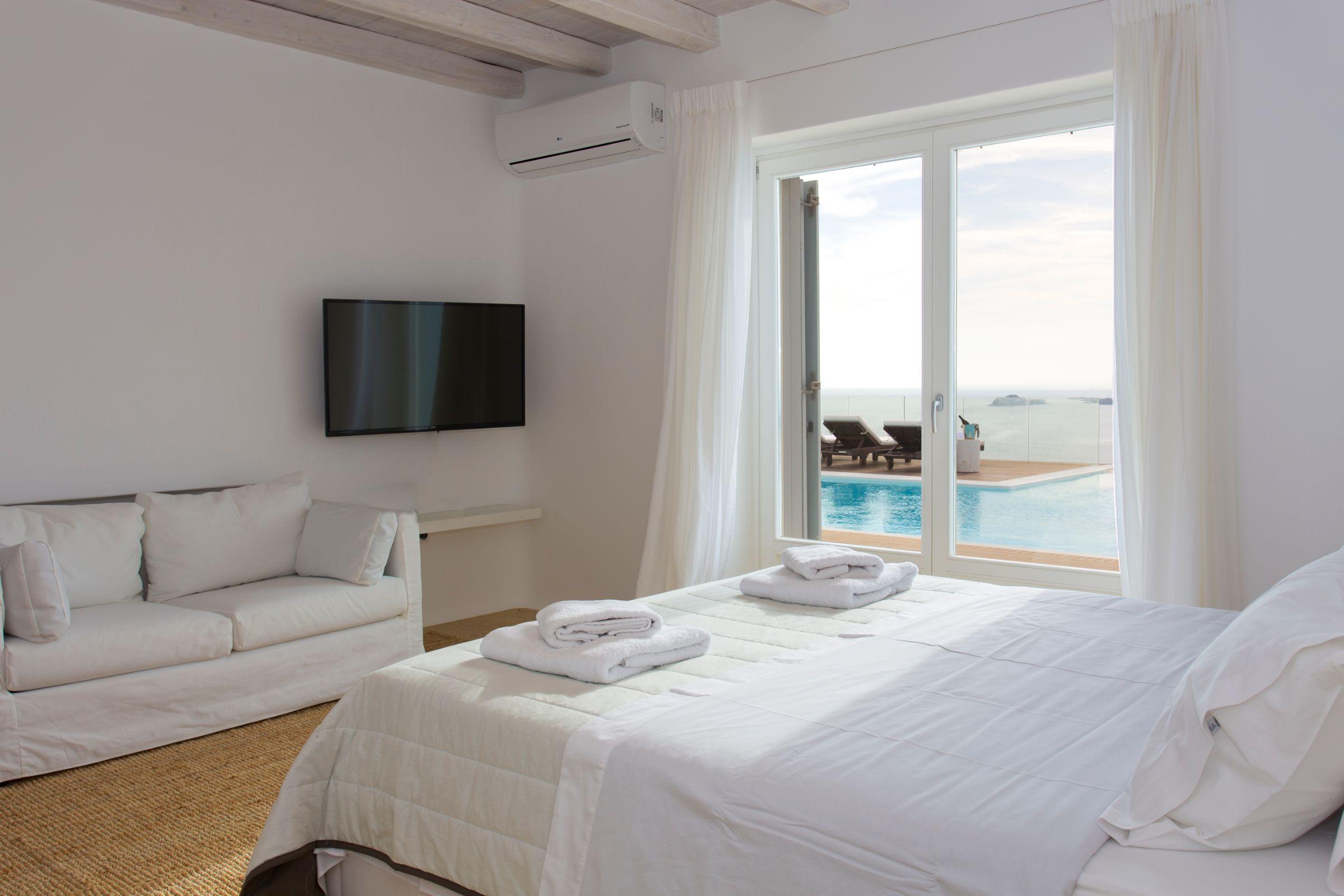 mykonos luxury villas greece
