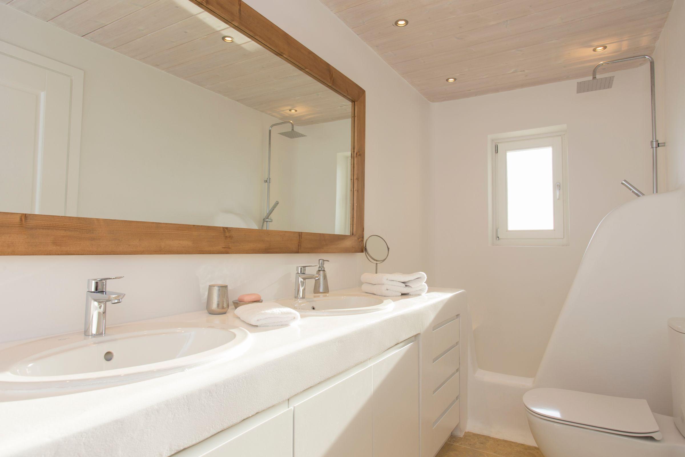 luxury mykonos villas showers