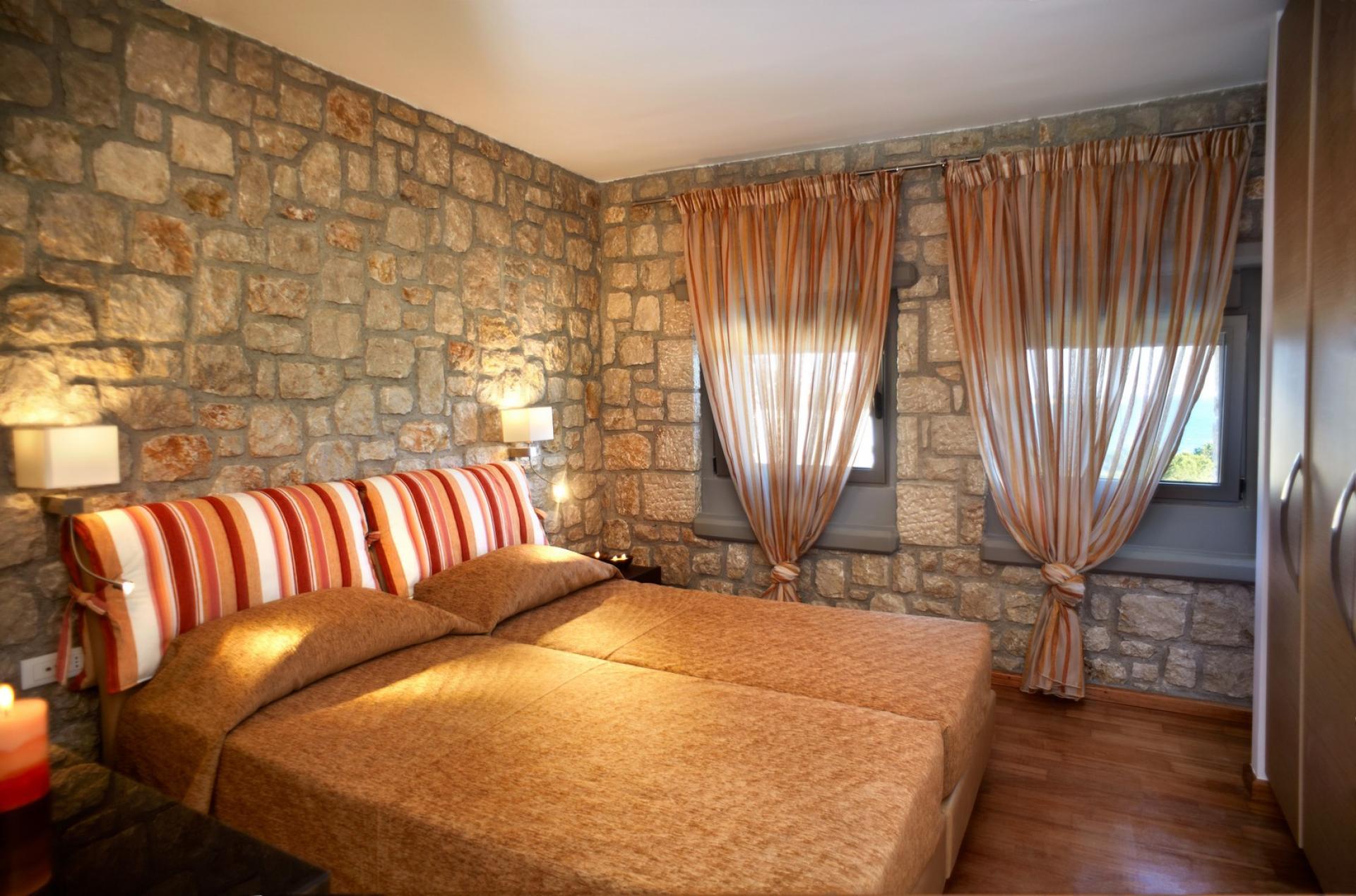 rhodes villas 4 bedrooms