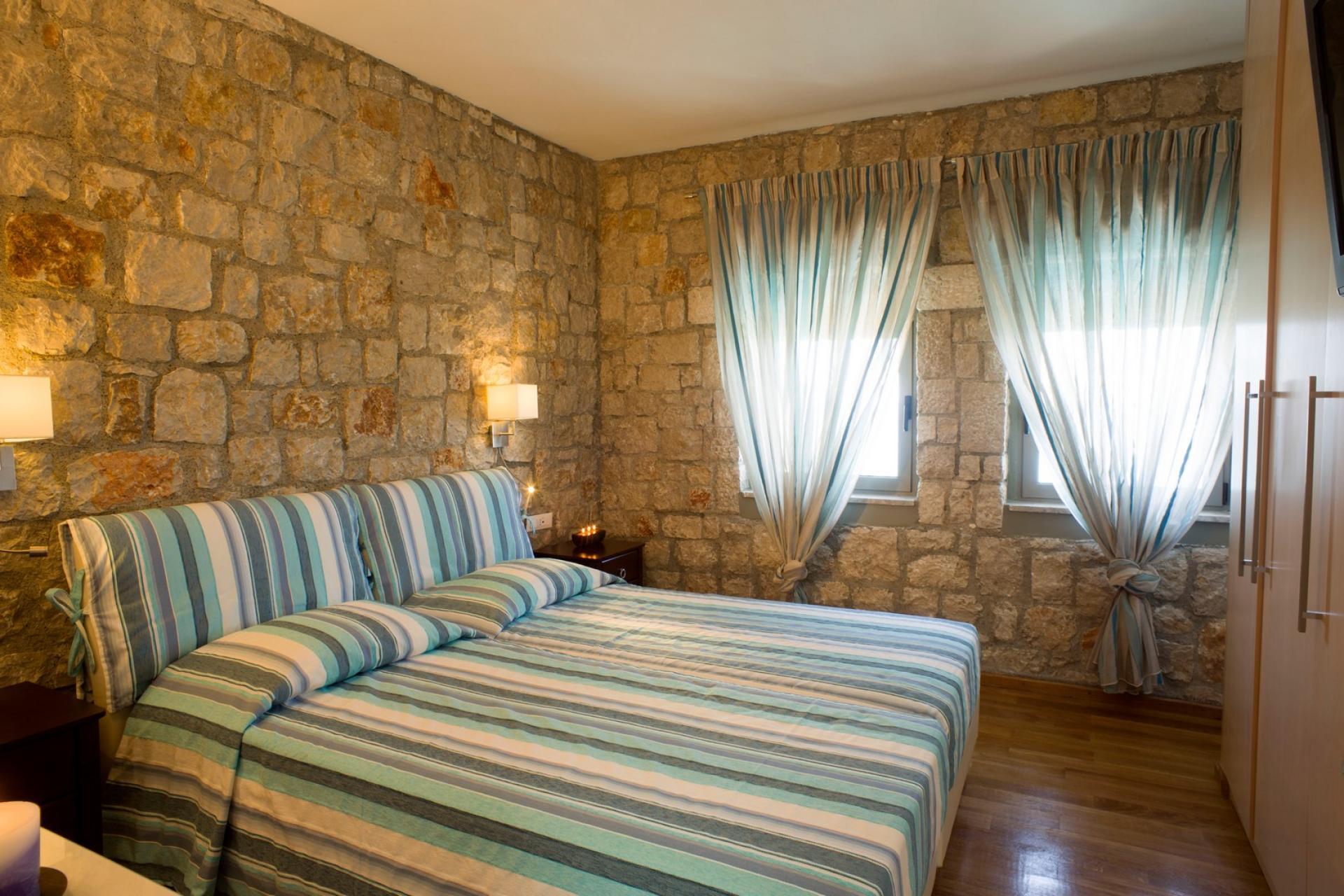 villas rhodes for rent