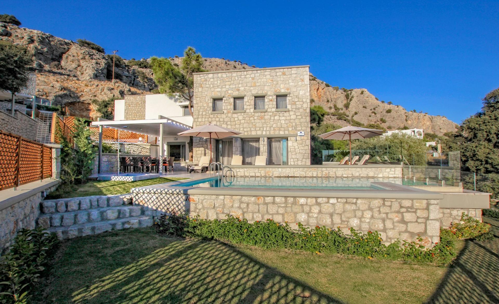 villas in rhodes luxury