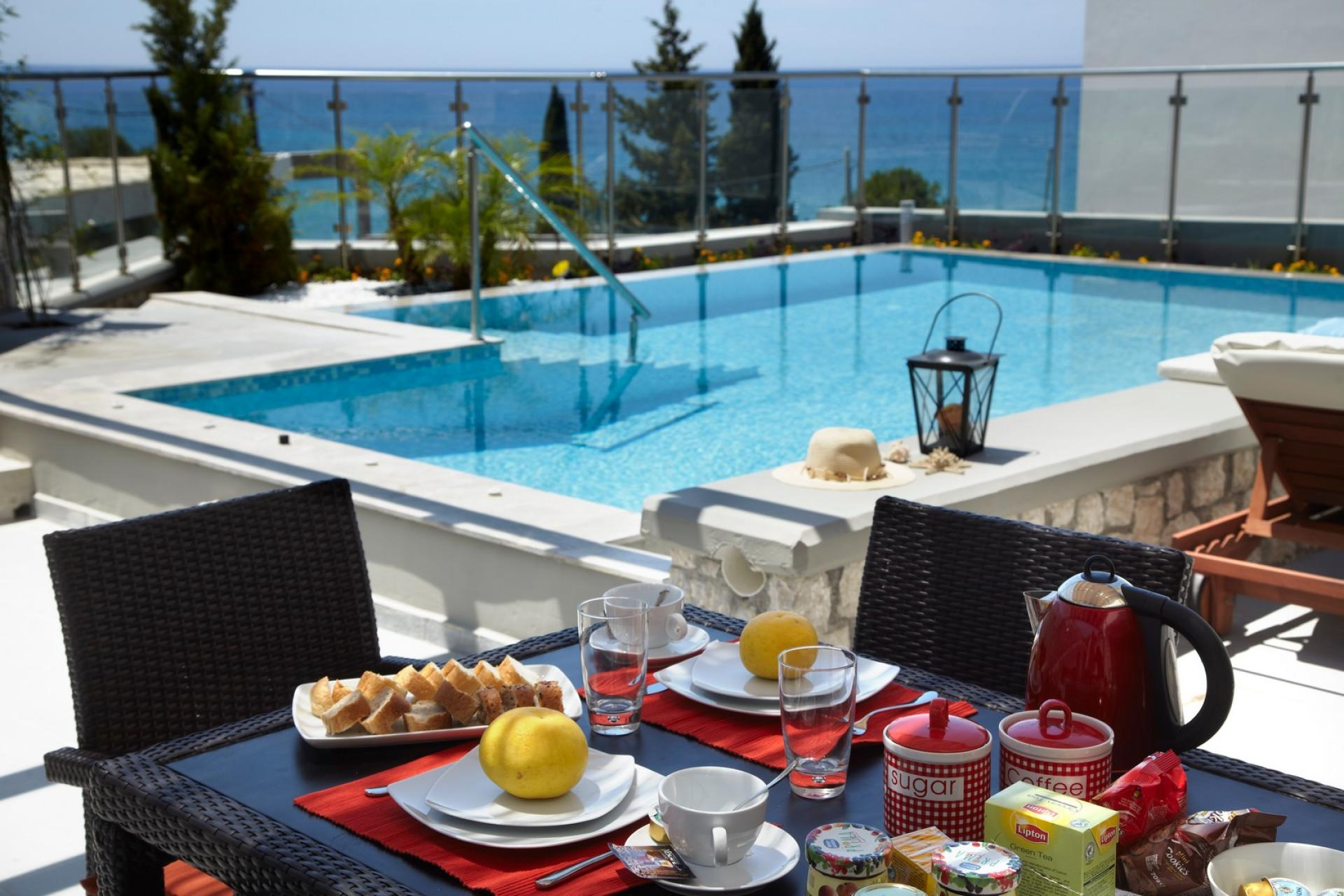 private pool rhodes villas