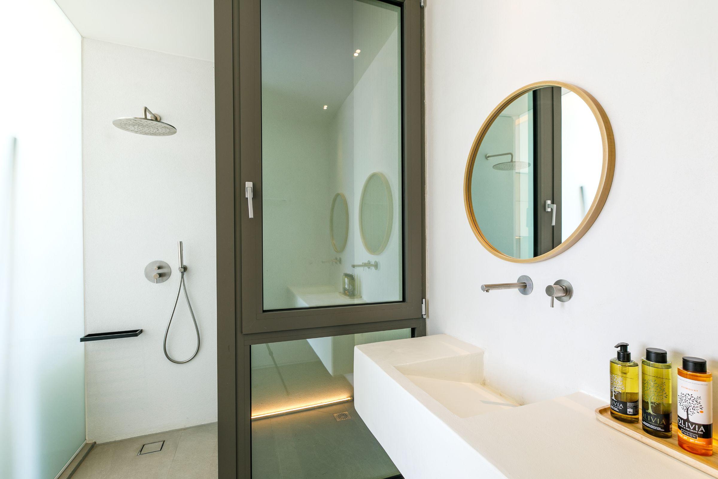 bathrooms 5 bedroom mykonos villas