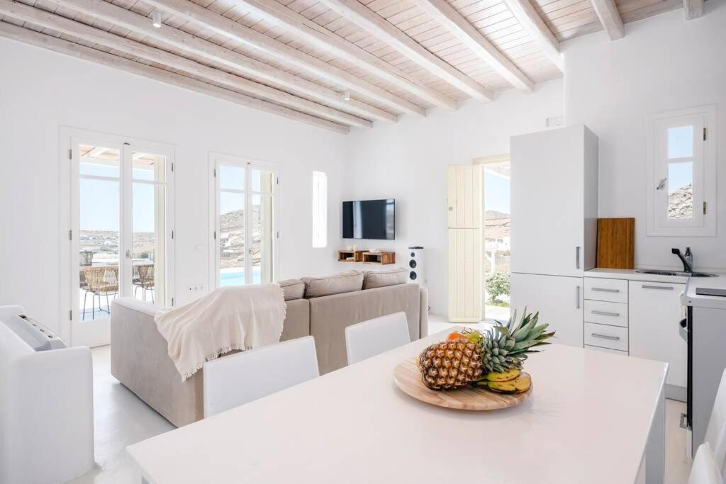 kalafatis blue villa lounge
